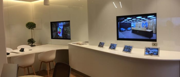 sala moderna profesional de reuniones