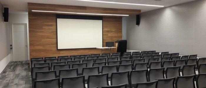sistema profesional de audio para sala de reunion